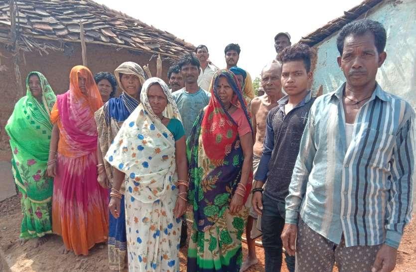 यहां ग्राम पंचायत की मनमानी से छले जा रहे आदिवासी, पात्रता के बाद भी नहीं मिला पीएम आवास योजना का लाभ, वीडियो में सुने इनकी व्यथा