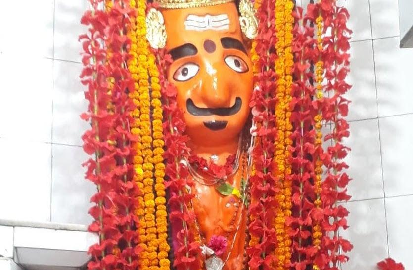 शक्तिपीठ के साथ यहां प्रकट हुए थे रूद्र काल भैरव, आज भी स्वयं करते हैं देवी की रक्षा