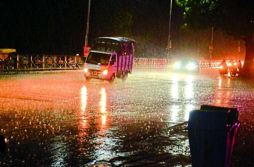 35 मिनट की झमाझम बारिश से तरबतर हुआ MP का यह शहर, लोगों के चेहरे पर आई खुशी