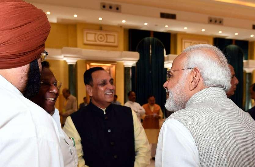 वायु चक्रवात को लेकर प्रधानमंत्री मोदी लगातार गुजरात सरकार के संपर्क में