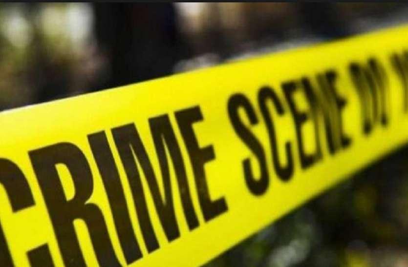 बदायूं में सड़क पर मिला युवक का शव, हत्या की आशंका