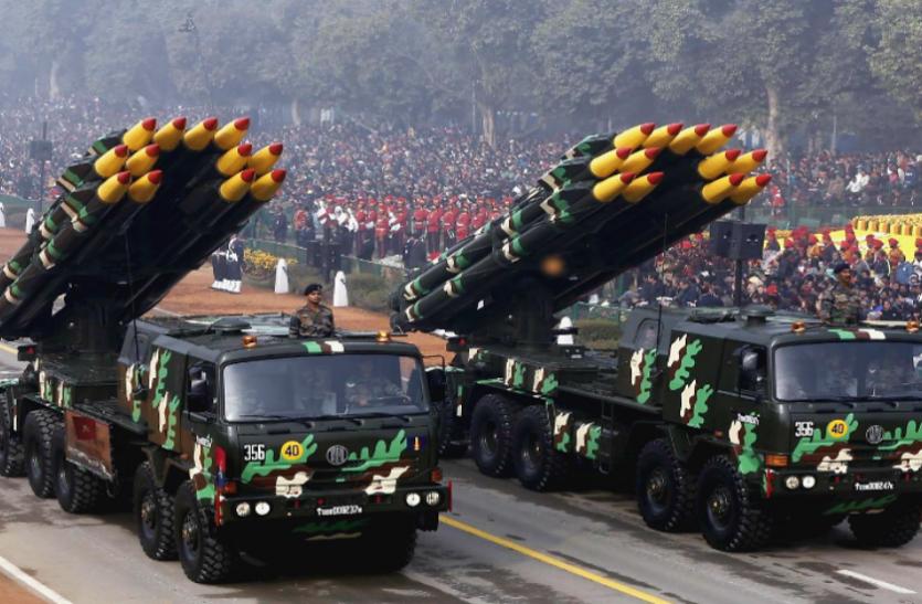 पाकिस्तान के रक्षा बजट में नहीं हुआ कोई बदलाव, आर्थिक तंगी पर भारी पड़ी सेना की डिमांड