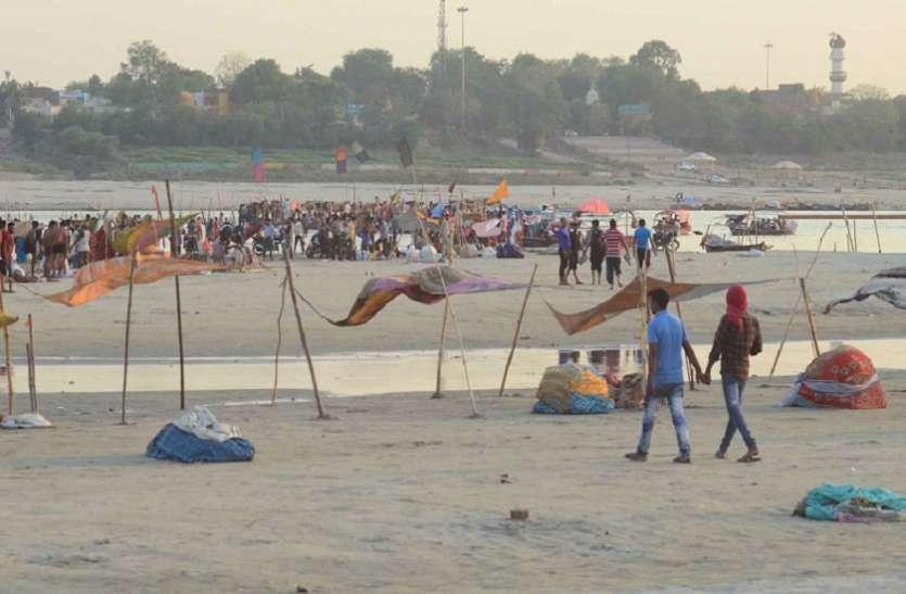 संगम के तट पर प्यासी गंगा सरकार के दावे बेकार,गंगा में आचमन लायक नही बचा जल