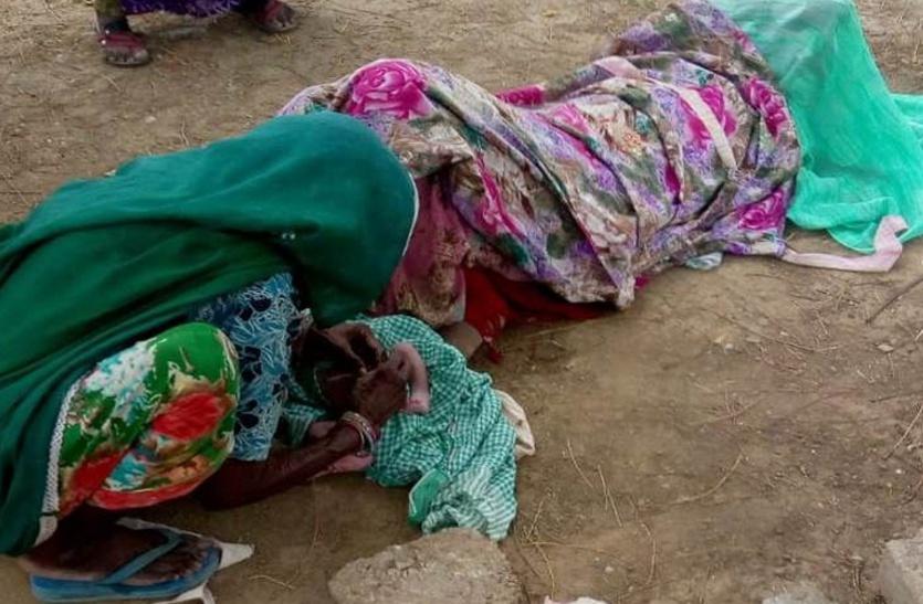 शर्मनाक: प्रसूता को नर्सिंगकर्मी ने अस्पताल में घुसने नहीं दिया, 2 घंटे दर्द से तड़पती और रोती रही, सड़क पर हो गया प्रसव