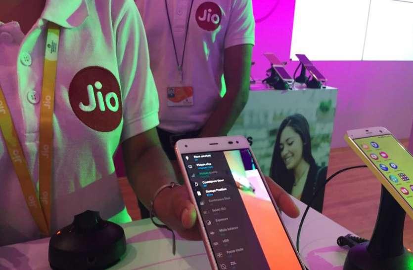 Reliance Jio की वजह से इंटरनेट यूजर्स के मामले में अमेरिका से आगे निकला भारत