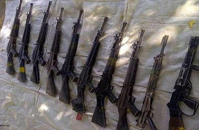 सर्चिंग अभियान में पुलिस को मिली बड़ी सफलता, नक्सलियों के डंप हथियार हुए बरामद