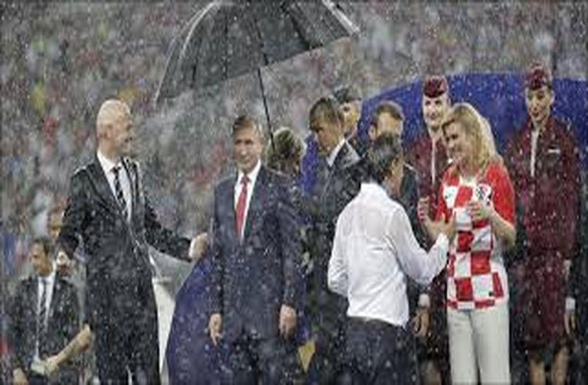 विश्व कप क्रिकेट : बारिश भी अगर टीम होती तो अंक तालिका में नंबर वन पर काबिज होती