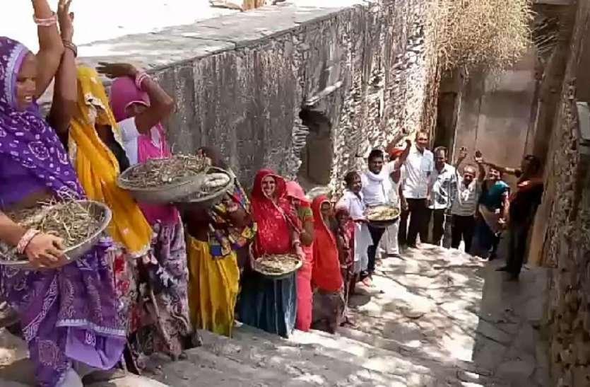 गणेश बावडी में  श्रमदान कर किया चकाचक