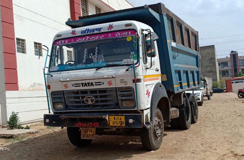 बजरी माफिया : डम्पर चालक का खुलासा, बनास से जयपुर के बीच हर थाने में देते थे 15 हजार की बंधी