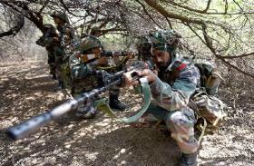 कश्मीर: पुलवामा में सुरक्षाबलों के हाथ बड़ी कामयाबी, मुठभेड़ में मार गिराए 2 आतंकी