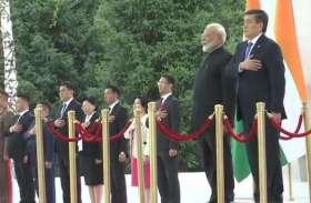 Photos: SCO समिट के बाद शुरू हुई पीएम मोदी की किर्गिस्तान द्विपक्षीय वार्ता, देखें कैसा हुआ स्वागत