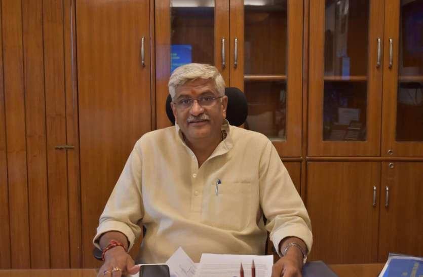 जल शक्ति मंत्री ने देखी नमामि गंगे प्रोजेक्ट की प्रगति, अगस्त तक शुरू करने के दिए निर्देश