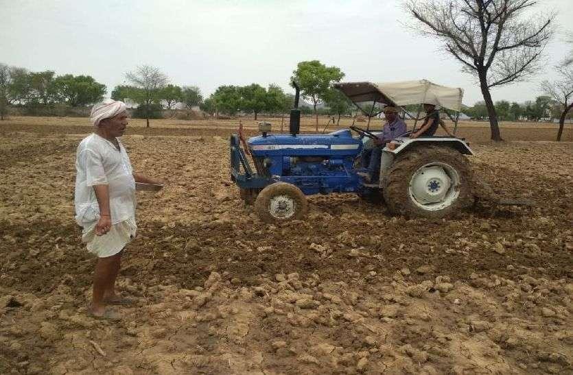 अलवर में बारिश के बाद किसानों के चेहरे खिले, तापमान में गिरावट के बाद खरीफ की बुवाई शुरु