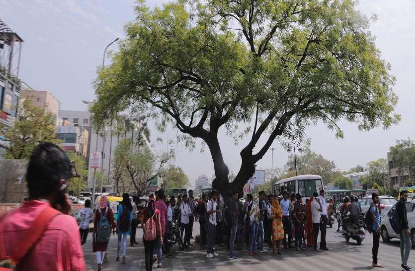 जयपुर में दिनोंदिन पारा बढता ही जा रहा रहा है लोग परेशानी के दौर से जुगर रहे है