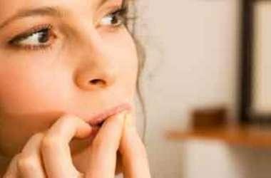 नाखून चाबने की आदत से कर लें तौबा, इस बीमारी का शिकार होने के बाद सीधा पड़ता है दिमाग रह असर