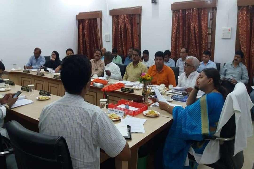 नगर निगम कार्यकारिणी की बैठक