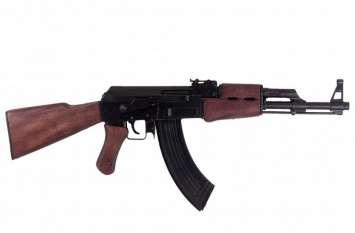 AK 47 रखने से आए थे चर्चा में, अब गुजरात पुलिस को है इनकी तलाश