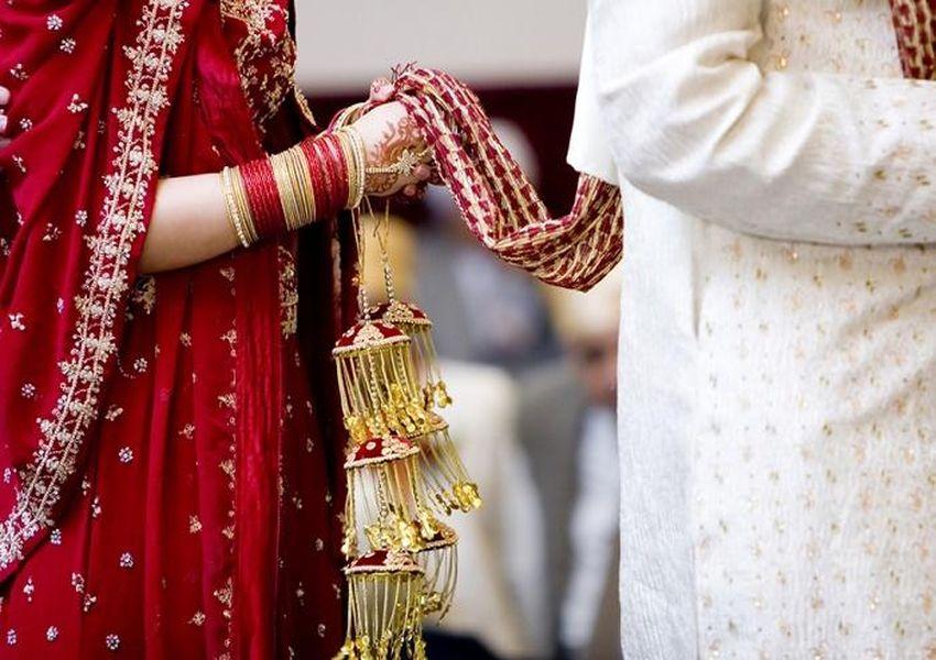 सात समंदर पार मॉरीशस से पंडित को आया भारतीय पद्धति से विवाह और गणेश यज्ञ का न्यौता