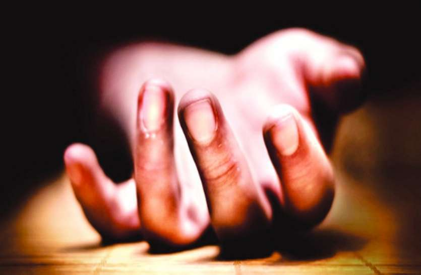 बच्चे के गम में जिला अस्पताल की छत से  महिला ने  लगाई छलांग, मौत