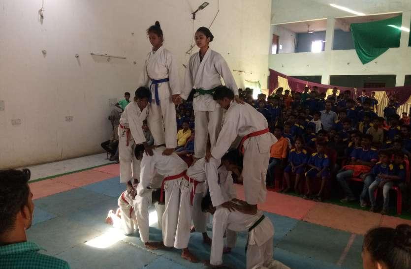 ग्रीष्मकालीन समर कैम्प में जिले के 800 खिलाडियों ने विविध खेलों का किया प्रदर्शन