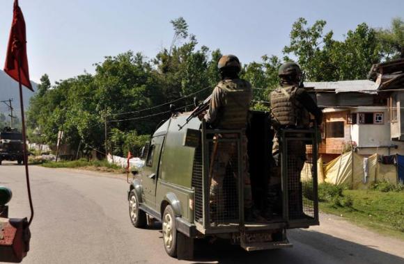 Jammu Kashmir IED Blast:एक हफ्ते में दूसरी बार आतंकी हमले से दहला जम्मू-कश्मीर