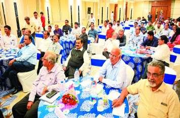 ड्रग मैन्यूफैक्चरर्स ने स्वास्थ्य मंत्री से कहा- इंदौर में होती थीं 400-500 लघु दवा इकाइयां, आज बचीं सिर्फ 75