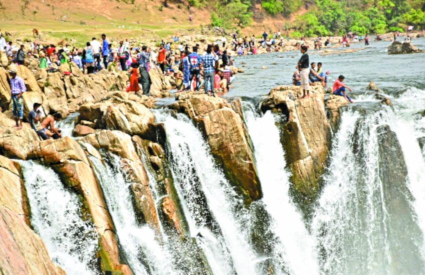 जबलपुर में हैं एक से बढ़कर एक पर्यटन स्थल, आउटिंग प्लान करने से पहले पढ़ लें ये खबर