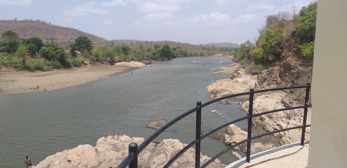 ताप्ती बैराज में बीस दिन का पानी शेष