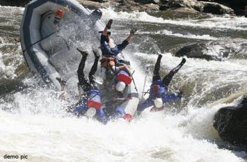 पहलगाम में रिवर राफ्टिंग करते वक्त पलटी नाव, दो की मौत, आठ घायल