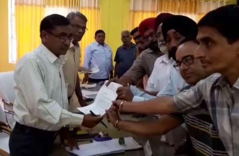 दिल्ली में पुलिस ने की सिख समाज के आॅटो चालक की पिटाई, उसे लेकर फिरोजाबाद में किया गया ये काम, देखें वीडियो