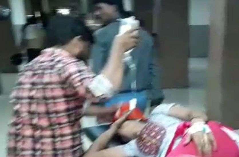 लिफ्ट में जाना पड़ा भारी, तीसरी मंजिल से गिरकर महिला जख्मी