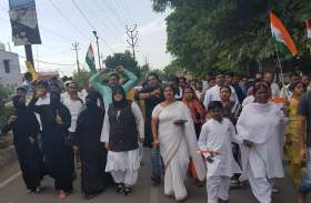 शहीद मेजर केतन शर्मा की अंतिम विदार्इ में पहुंची मुस्लिम महिलाएं आैर लगाए ये नारे