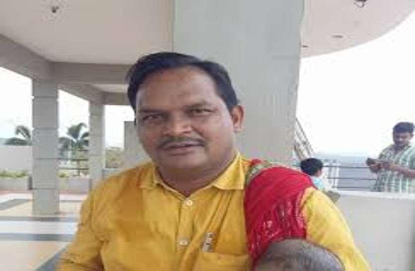 बीजापुर में नक्सलियों ने समाजवादी पार्टी के नेता का अपहरण कर बेरहमी से की हत्या