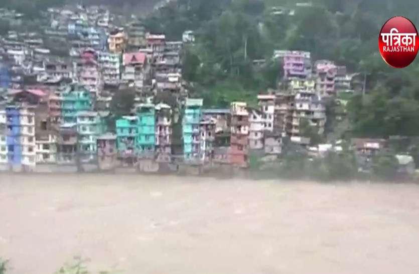 सिक्किम में बादल फटा...सैकड़ों सैलानी बचाए