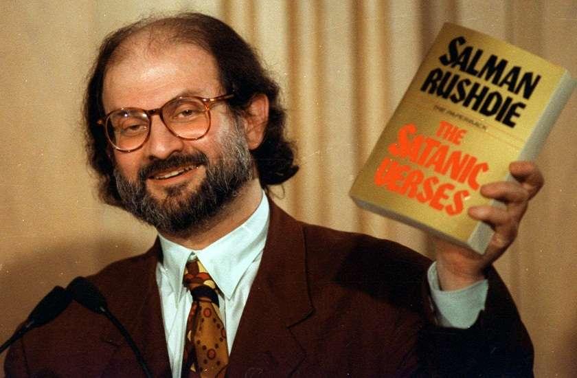 Writer Salman Rushdie Birthday Why Novel Satanic Verses Ban In India -  विश्व प्रसिद्ध लेखक Salman Rushdie के भारत आने पर क्यों है पाबंदी, उनकी इस  किताब से शुरू हुआ बवाल |