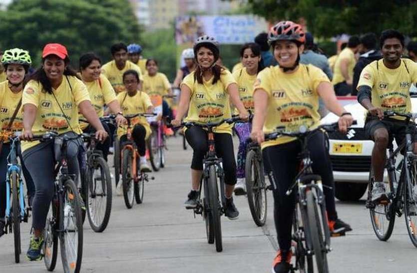 cycle rally-एक के पीछे एक आखिर वह साइकिल पर क्यों दौड़ पड़े। फिटनेस मंत्र है साइकिल , साइकिल चलाओ आरोग्य पाओ