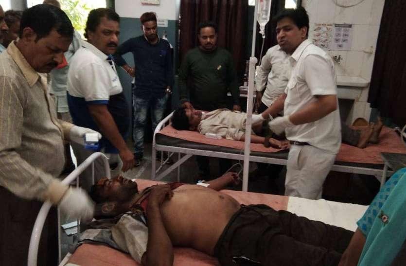 ट्रैक्टर-ट्रॉली पलटी, 22 लोग घायल
