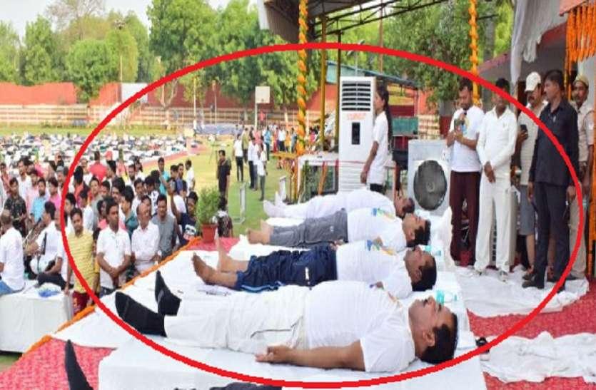विवादों में घिरा उपमुख्यमंत्री केशव प्रसाद मौर्या का योगा कार्यक्रम,हो सकती बड़ी कार्यवाही