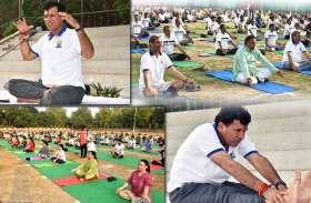 Yoga Day 2019:  बाड़मेर के सांसद और केंद्रीय मंत्री कैलाश चौधरी का अलग रूप आया नजर