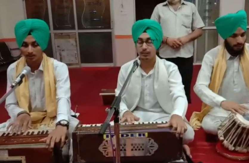 पढ़िए मुगल शासक को चार बार युद्ध के मैदान में हराने वाले गुरू हरगोविंद साहब के बारे में, देखें वीडियो