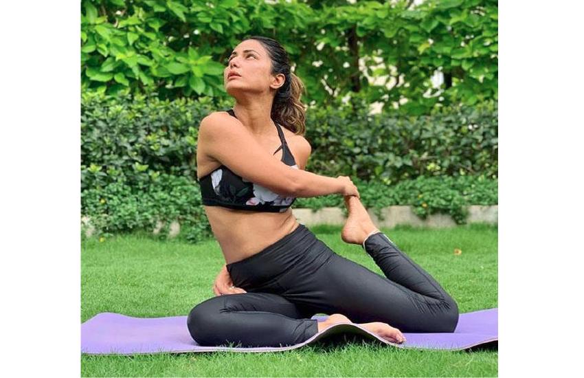 Hina Khan Yoga Photo