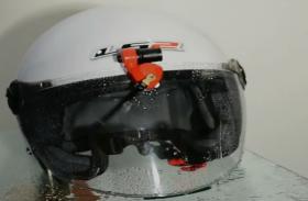 Helmet में Wiper के नाम पर लोगों की जान से खिलवाड़ करना चाह रही है कंपनी, ये है पूरा मामला