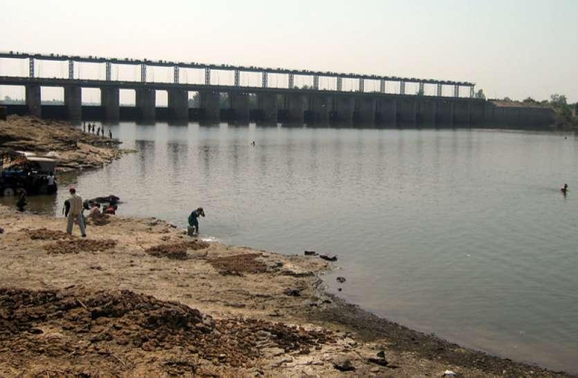 महाराष्ट्र के साथ पानी की समस्या का स्थायी समाधान निकालेगी सरकार