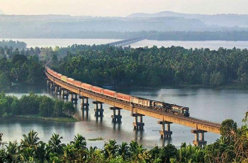 रेलवे का करोड़ों पैसेंजर्स के लिए सबसे बड़ा निर्णय, 22 दुरंतो ट्रेन के लिए हुआ ये फैसला