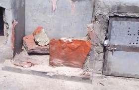 तेजाजी महाराज मंदिर में समाजकंटकों ने मूर्तियों को किया खण्डित, पुलिस ने किया मौका मुआयना