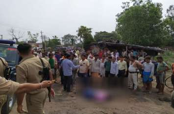 खून का बदला खूनः पंचायत के दौरान दोहरी हत्या के बाद तनाव, पुलिस तैनात, देखें वीडियो