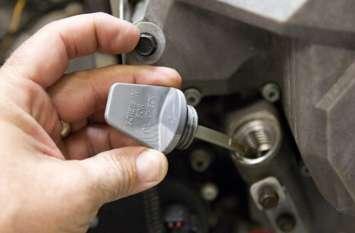 मोटरसाइकिल के लिए जरूरी है Engine Oil, इंजन हो सकता है खराब