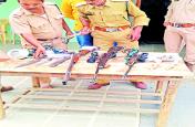मोर और नीलगाय का करते थे शिकार , पुलिस ने किया गिरफ्तार