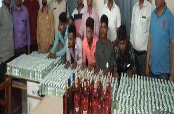 चेन पुलिंग कर हावड़ा-पोरबंदर एक्सप्रेस से उतर रहे छह जने शराब के साथ पकड़े गए