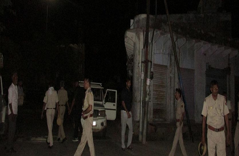 Bharatpur news ... बिजली चोरों पर कार्रवाई, काटे कनेक्शन
